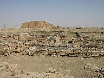 تاريخ ما قبل الإسلام ، نجد أن ملوك اليمن كانوا هم الملوك المُتَوَّجُون